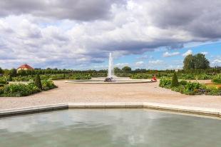 UP week 15 Fountain